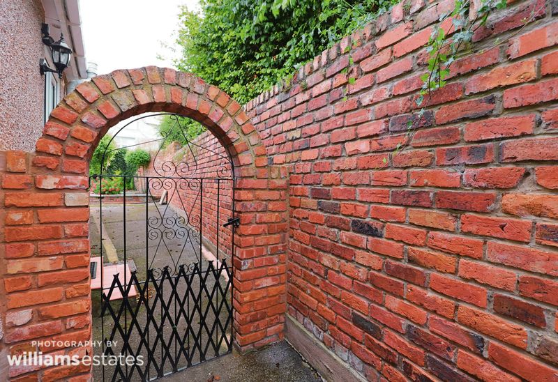 feature arch