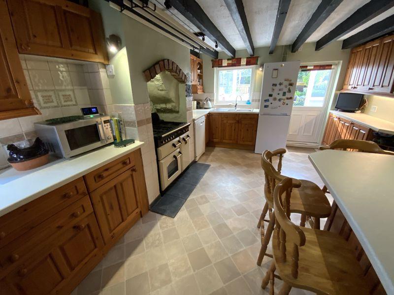 Kitchen/ Breakfast Room 02