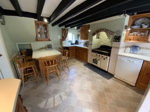 Kitchen/ Breakfast Room 01