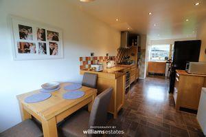 Kitchen/Breakfast Room 01