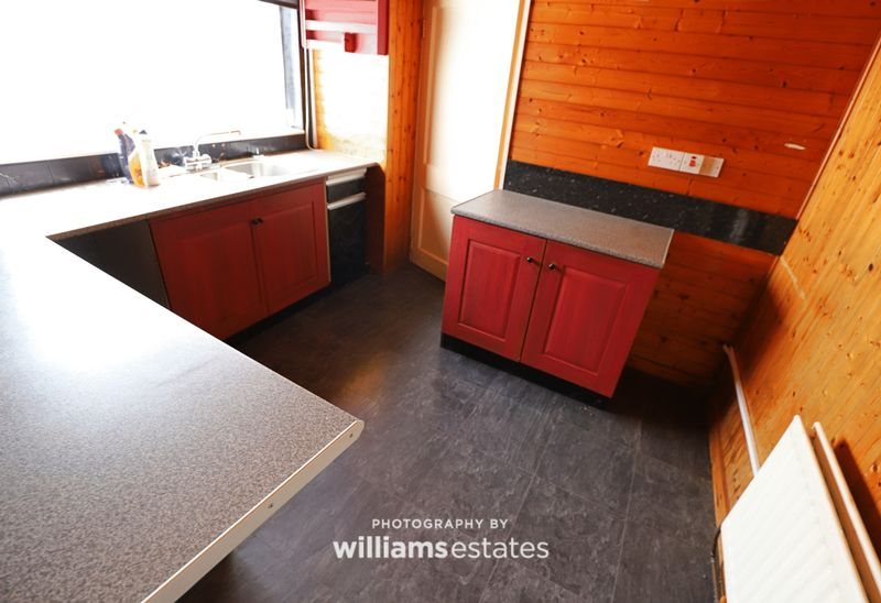 flat 1 -kitchen