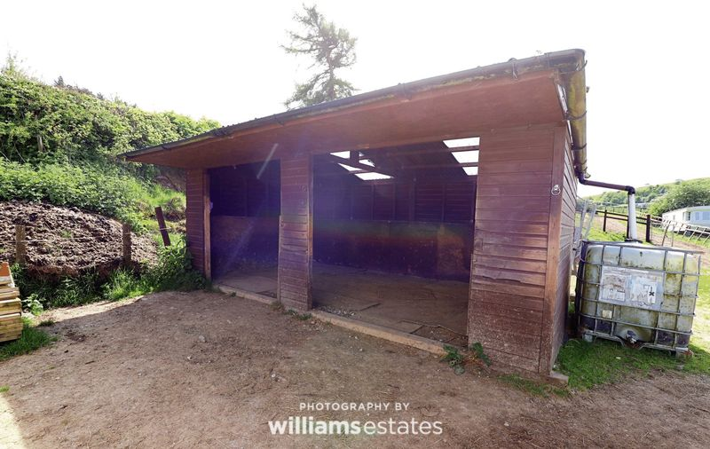 stables 07