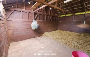 stables 02
