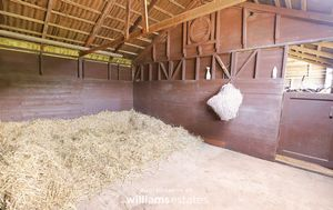 stables 05