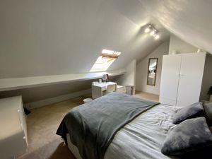 bedroom 2 (01)