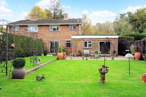 Park Farm Cottages, Holly Lane
