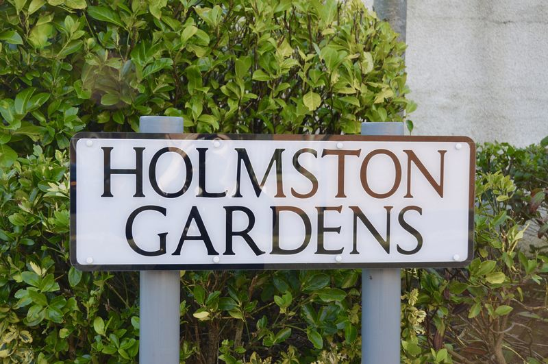 Holmston Gardens