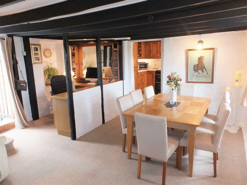 Cottage 1- Dining Room