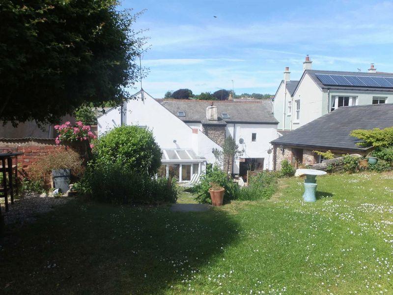 4 Bedrooms Property for sale in North Tawton, Devon