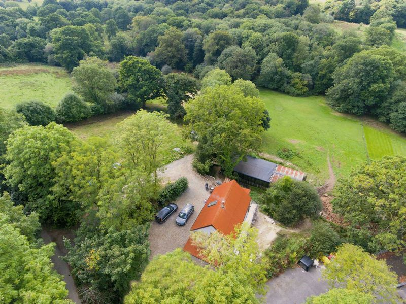 2 Bedrooms Property for sale in Northlew, Devon