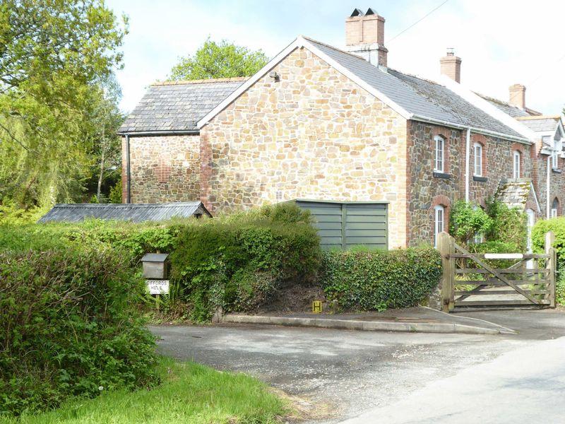 4 Bedrooms Property for sale in Meeth, Devon