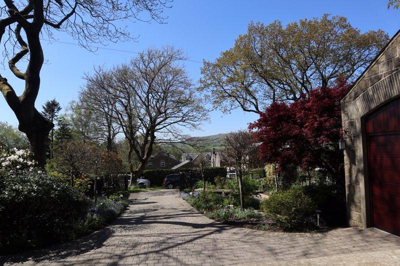 28 Stoodley Grange Lee Bottom Road