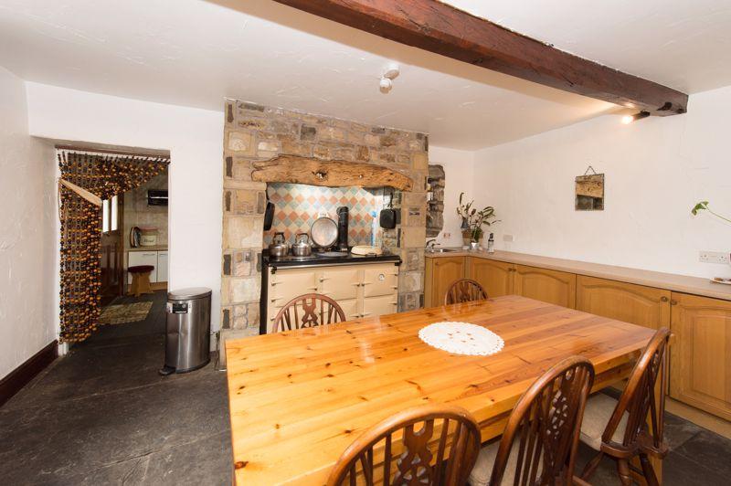Low Greenfield Main Kitchen