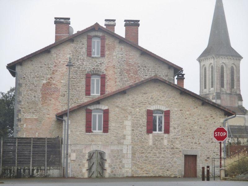Saint-Saud-Lacoussiere