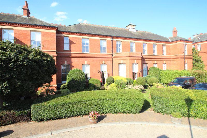 Kensington House Richmond Drive