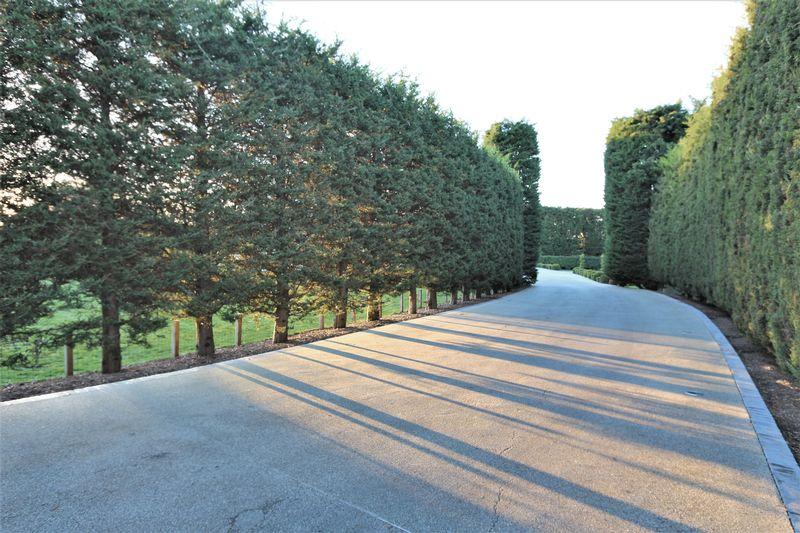 Rolls Park, High Road