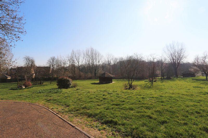 Brandesbury Square