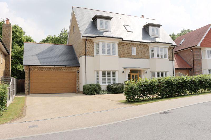 Chigwell Grange High Road