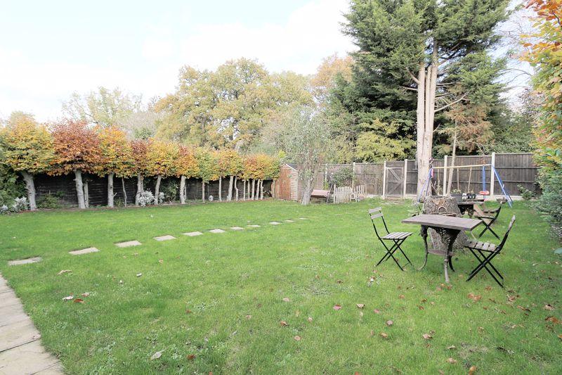 Dacre Gardens