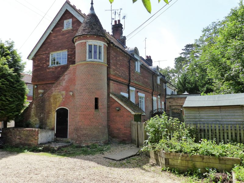 Nanhurst Park Elmbridge Road