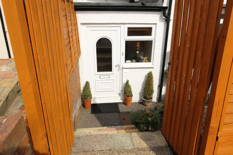 STEPS TO FRONT DOOR