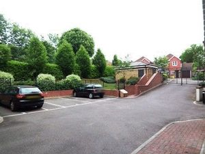 106 Godstone Road
