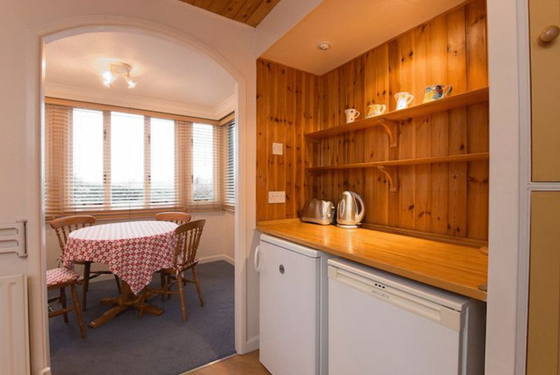 Kitchen dining room 2