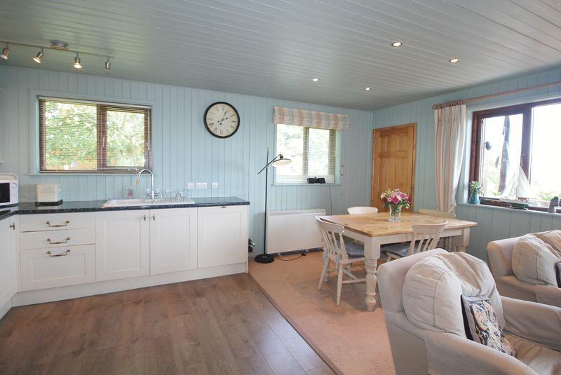 38E Trewince Manor Portscatho