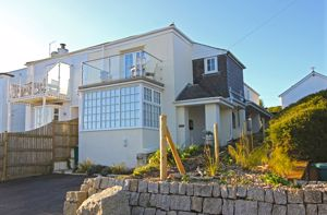 2, Sea View Road St. Mawes