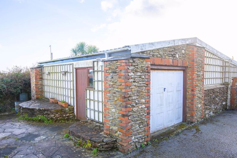 Detached Garage/Workshop