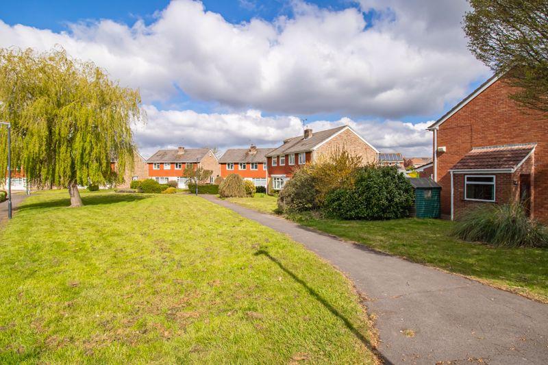 Brookfield Walk Oldland Common