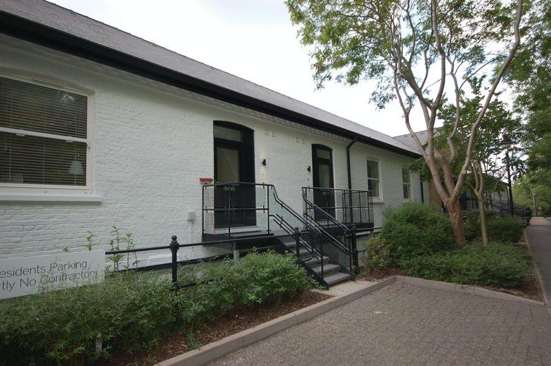 Summerhouse Lane
