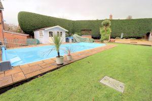 Gardens/Outdoor Pool