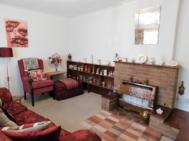 Byron Close Cotonfields