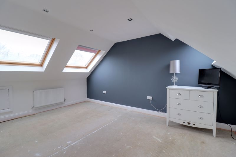 Bedroom 4 (Loft Room)