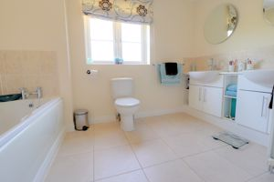 Bed One En-Suite Bathroom