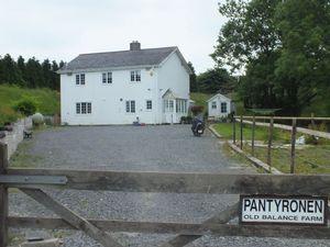 Twmballyn Llanelly Hill