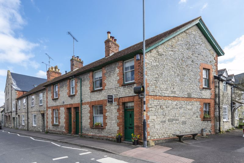 Salisbury Street Mere