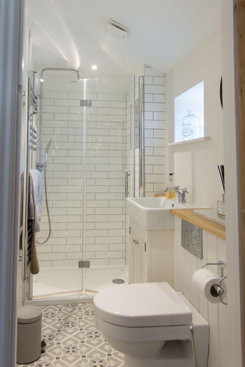 Annexe shower rooms