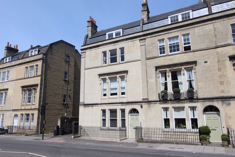 11b Bathwick Street