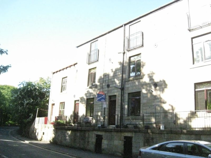 Clewer Place Walsden