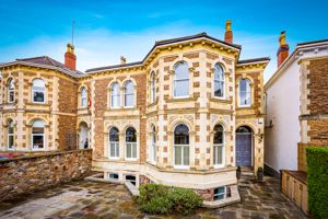 29 Oakfield Road Clifton