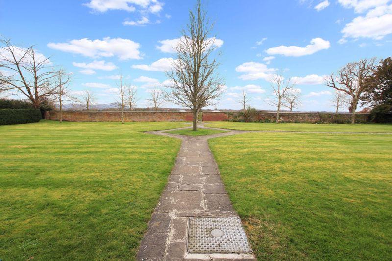 Weald Moors Park Preston upon Weald Moors