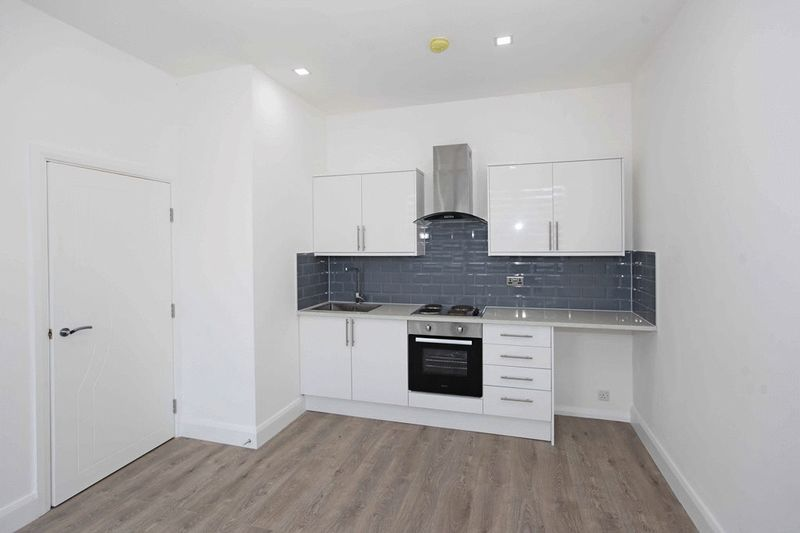Apartment 35 Sapphire House Stafford Park 10