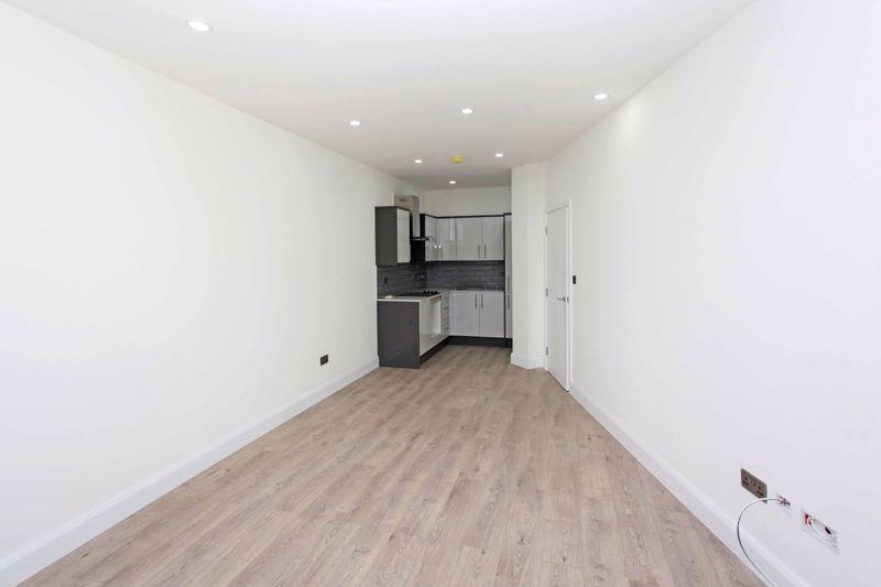 Apartment 129  Sapphire House Stafford Park 10