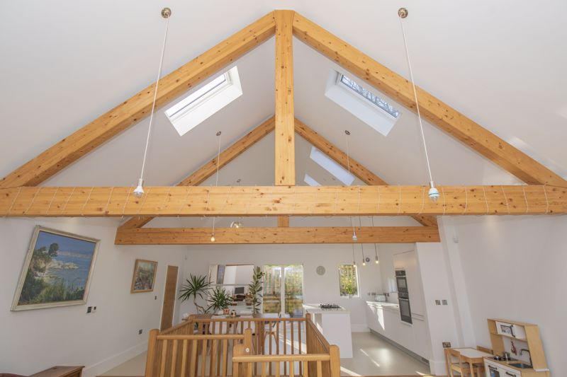 Feature Oak Beams