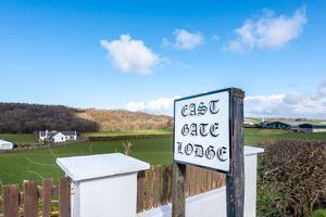 East Gate Lodge Lindsayston