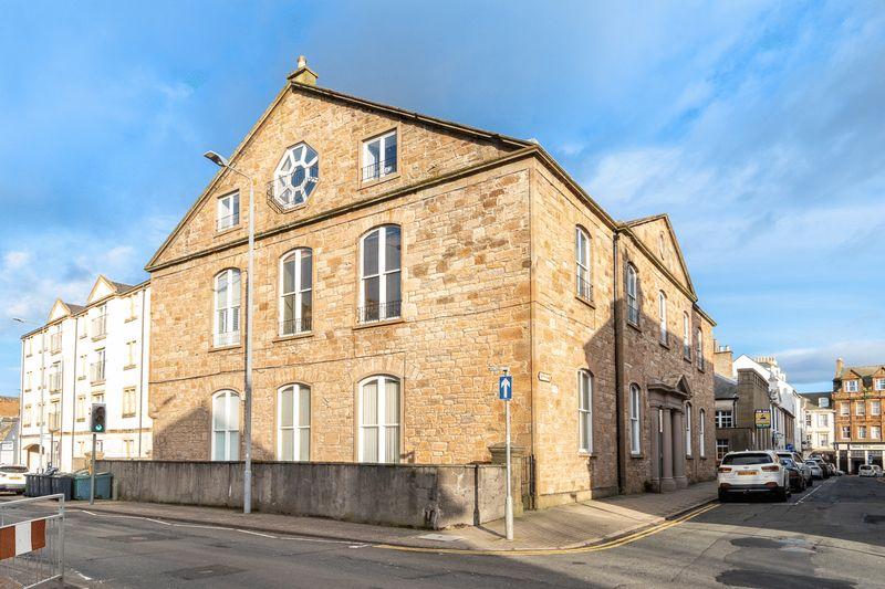 Cathcart Street, Cathcart Court