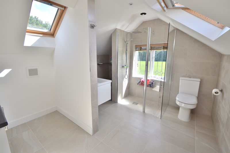 En-suite/ Dressing Area