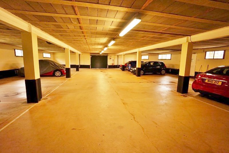Residents Garage